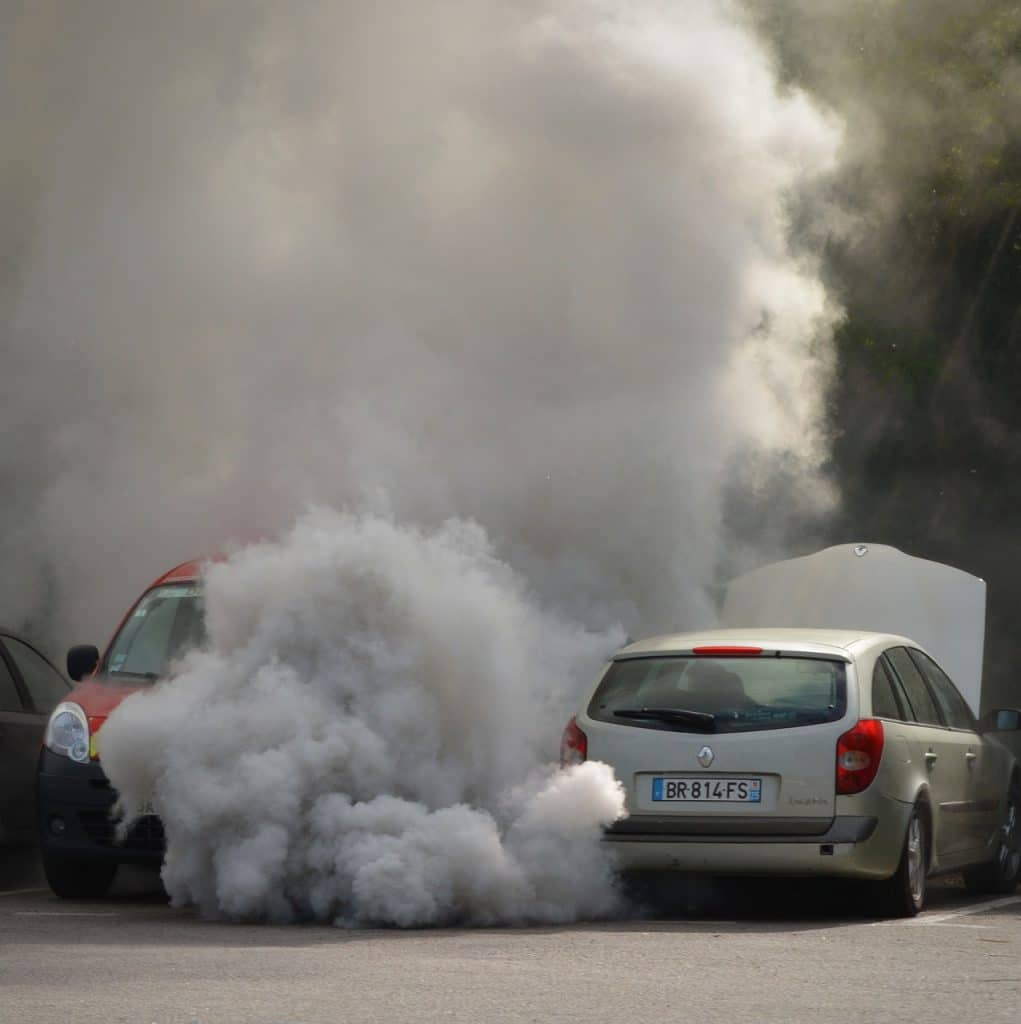 panne-voiture-fumee